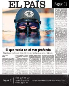 El País - Miguel Lozano - El que vuela en el mar profundo